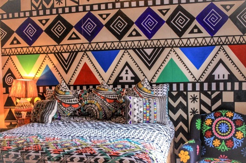 When black and white can be colourful too! http://salutmaroc.com